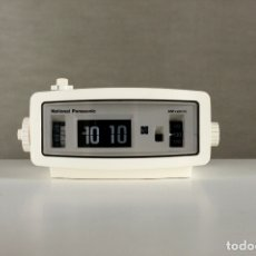 Vintage: RADIO RELOJ DESPERTADOR NATIONAL PANASONIC FLIP CLOCK BLANCO RETRO SPACE AGE JAPAN AÑOS 70. Lote 169288508