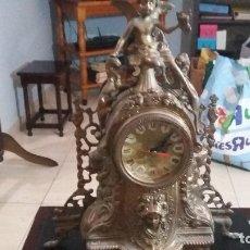 Vintage: RELOJ SOBREMESA BRONCE ALTO 41,ANCHO 34 FUNCIONANDO. Lote 173603704