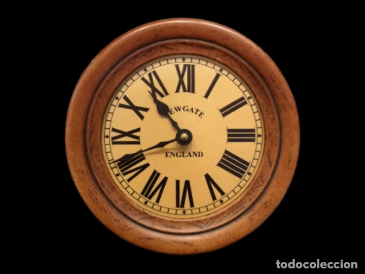 RELOJ IMITACIÓN INGLÉS, FUNCIONA CON PILAS.DECORATIVO, VALIÑO, ZARAGOZA. (Relojes - Relojes Vintage )
