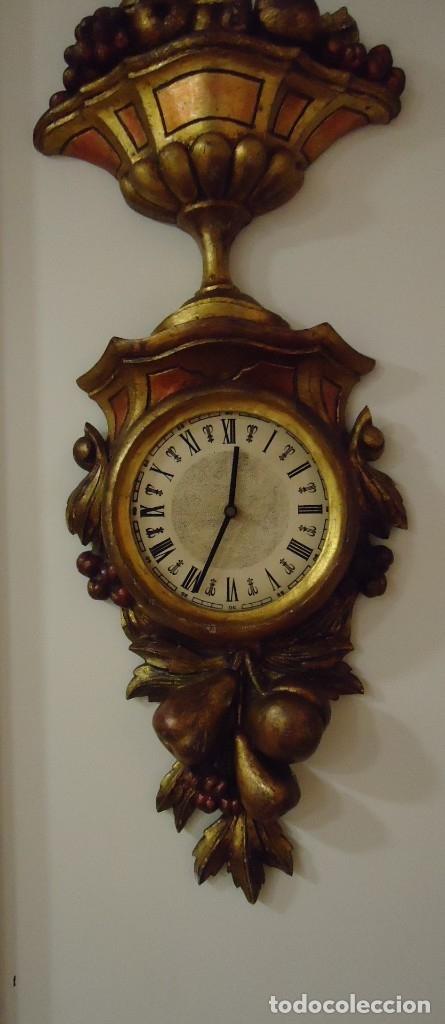 Vintage: Reloj con marco de madera tallada y policromada - Foto 4 - 175916294