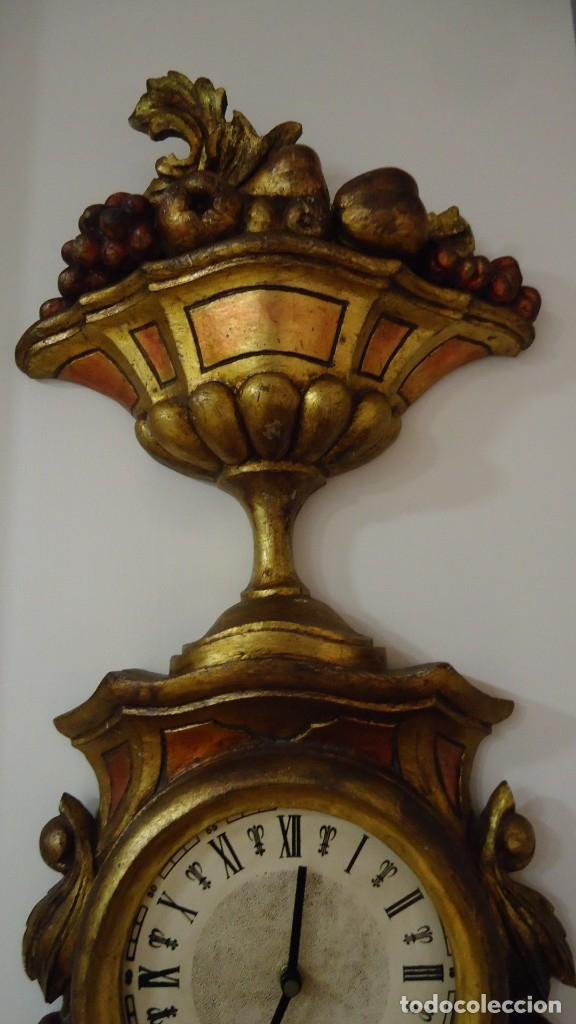 Vintage: Reloj con marco de madera tallada y policromada - Foto 5 - 175916294