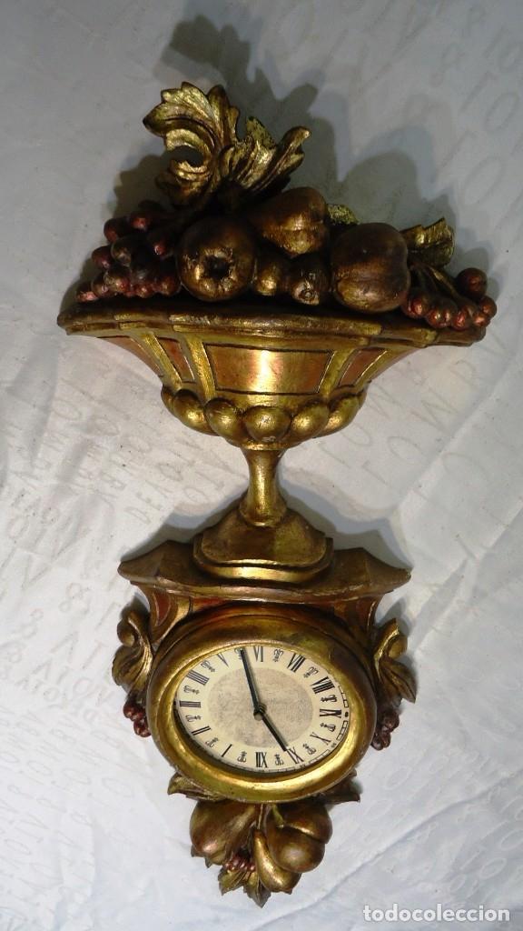 Vintage: Reloj con marco de madera tallada y policromada - Foto 6 - 175916294