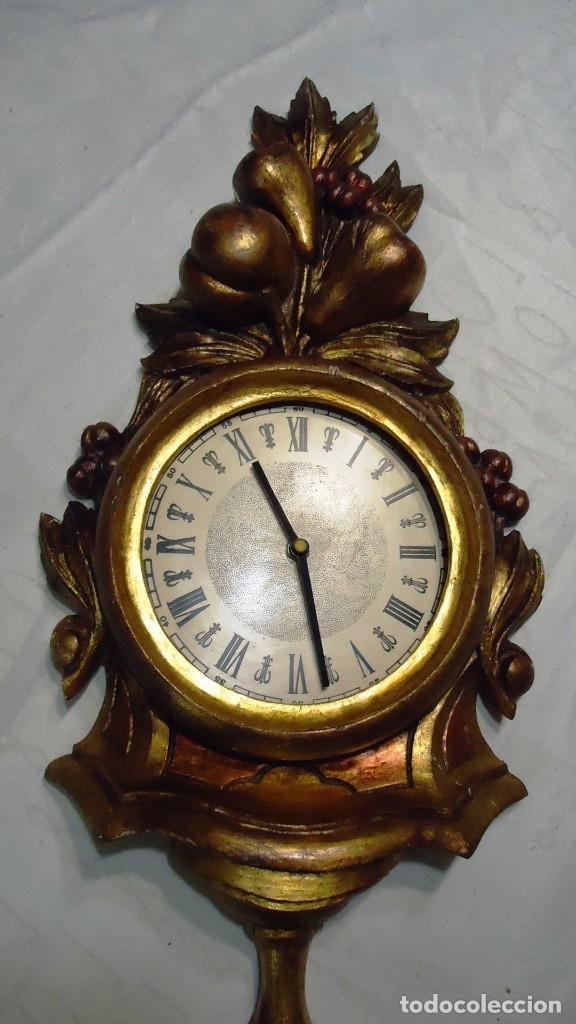 Vintage: Reloj con marco de madera tallada y policromada - Foto 3 - 175916294