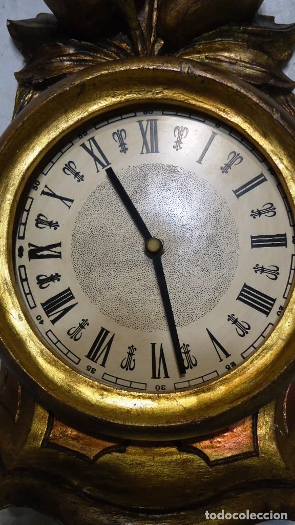 Vintage: Reloj con marco de madera tallada y policromada - Foto 12 - 175916294