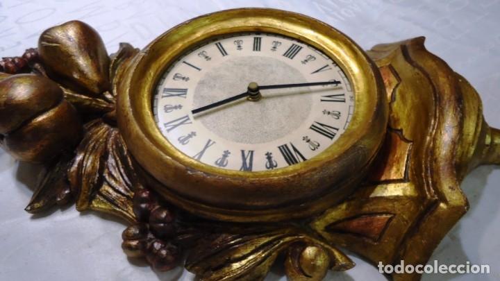 Vintage: Reloj con marco de madera tallada y policromada - Foto 14 - 175916294