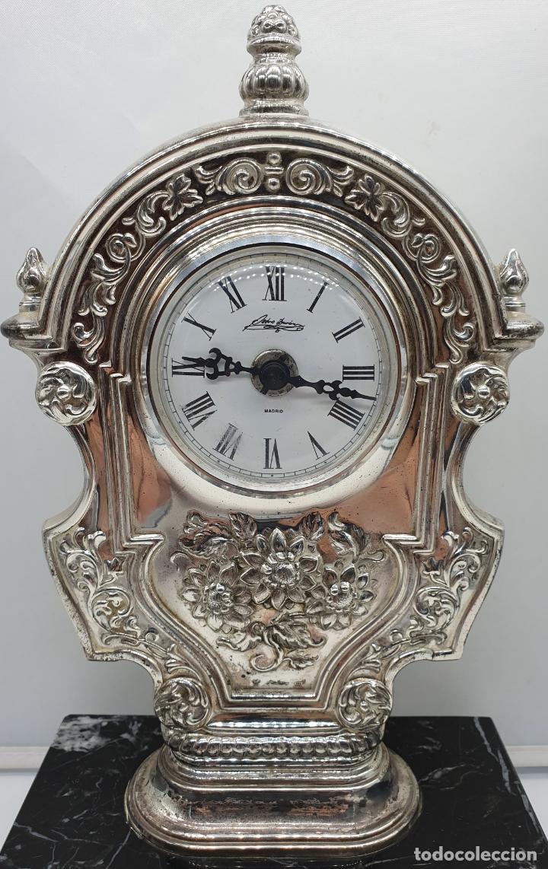 Vintage: Elegante reloj antiguo de Pedro Durán en plata de ley bellamente repujado sobre peana de marmol . - Foto 6 - 178349383