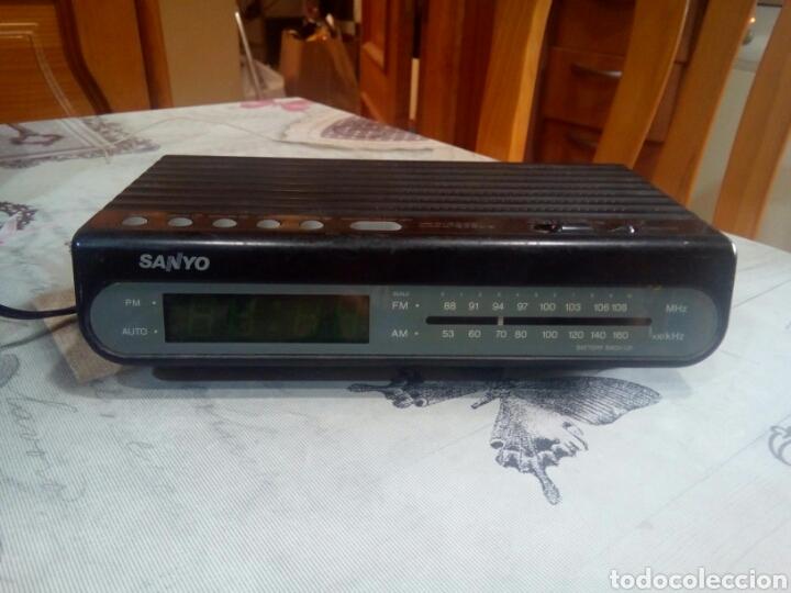 RADIO DESPERTADOR SANYO (Relojes - Relojes Vintage )