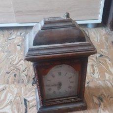 Vintage: RELOJ DE MADERA MACIZA CON CRISTAL. Lote 204784376