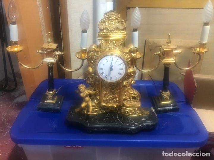 Vintage: Reloj de Bronce y par de candelabros. - Foto 6 - 206937660