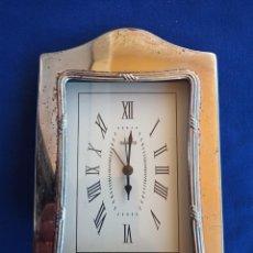 Vintage: RELOJ PARA VITRINA CHAPADO EN PLATA DE LEY ( JAPAN .MOTV. QUARTZ ). Lote 208568070