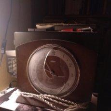 Vintage: RELOJ METAMEC ELÉCTRICO MADE IN ENGLAND A 220 VOLTIOS. Lote 208900518