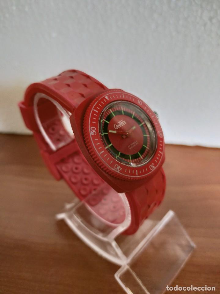 Vintage: Reloj señora de cuerda (Vintage) Control caja de resina dura 17 rubís con maquinaria Suiza incabloc. - Foto 4 - 213259395