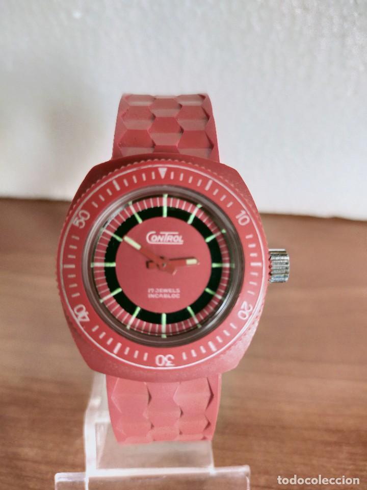 RELOJ SEÑORA DE CUERDA (VINTAGE) CONTROL CAJA DE RESINA DURA 17 RUBÍS CON MAQUINARIA SUIZA INCABLOC. (Relojes - Relojes Vintage )