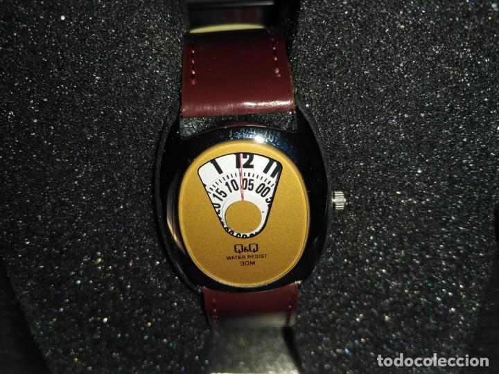 RELOJ Q&Q DE CITIZEN HORAS SALTANTES. NUEVO. (Relojes - Relojes Vintage )