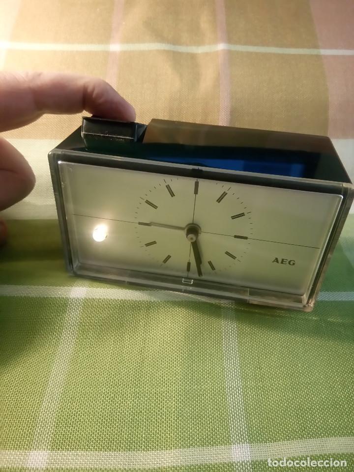 RELOJ DE MESA AEG - PERFECTO ESTADO. FUNCIONANDO. LUZ NOCTURNA. QUARZT - DESCRIPCION Y FOTOS. (Relojes - Relojes Vintage )
