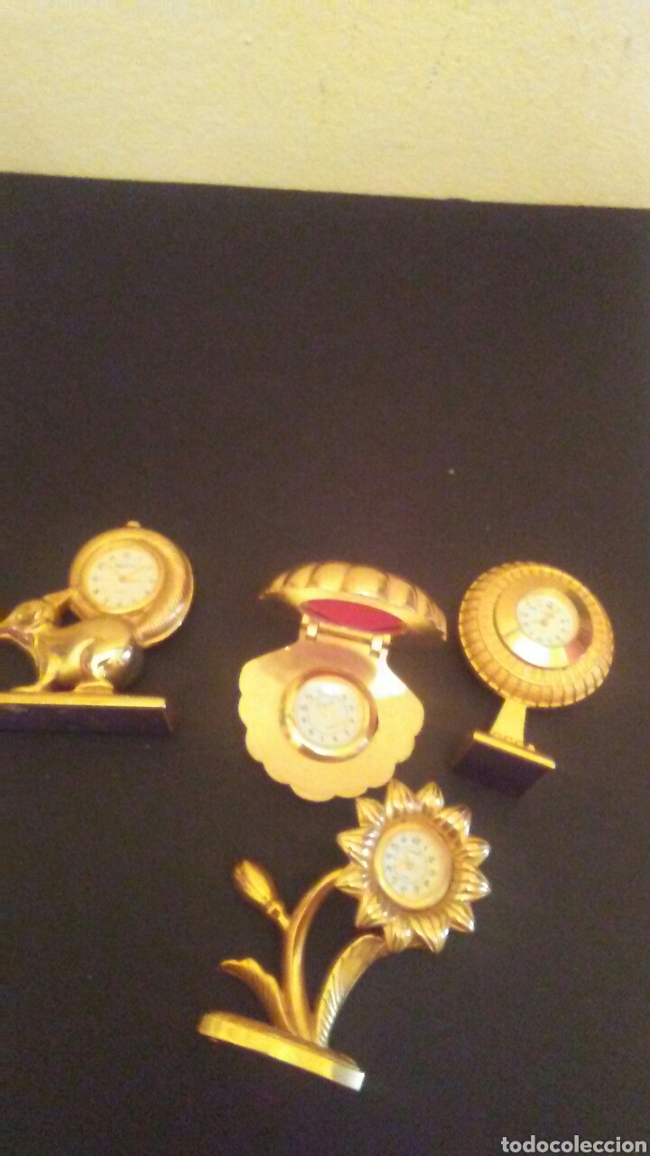 Vintage: Lote de 4 relojes sobre metal dorado,miden sobr 8 cent alto . - Foto 3 - 222641035