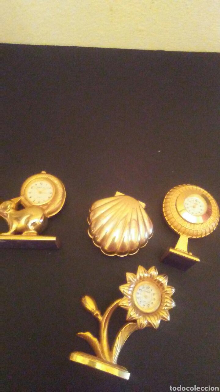 Vintage: Lote de 4 relojes sobre metal dorado,miden sobr 8 cent alto . - Foto 4 - 222641035