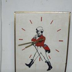 Vintage: JOHNNIE WALKER. BORN 1820 - STILL GOING STRONG, RELOJ ELECTRICO PUBLICIDAD JOHNNIE WALKER.. Lote 222712375