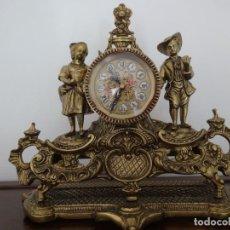 Vintage: RELOG DE MESA BRONCE MACIZO FIGURAS DE NIÑOS. Lote 251926930