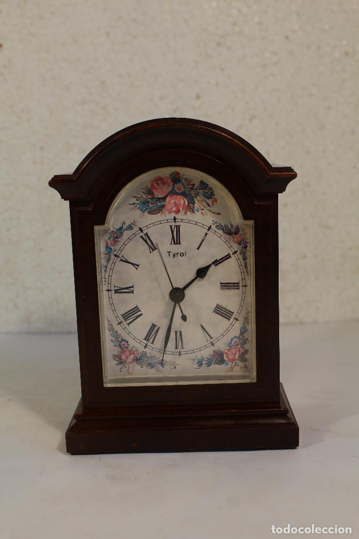 Vintage: Reloj sobremesa quartz marca tyrol - Foto 2 - 268868659
