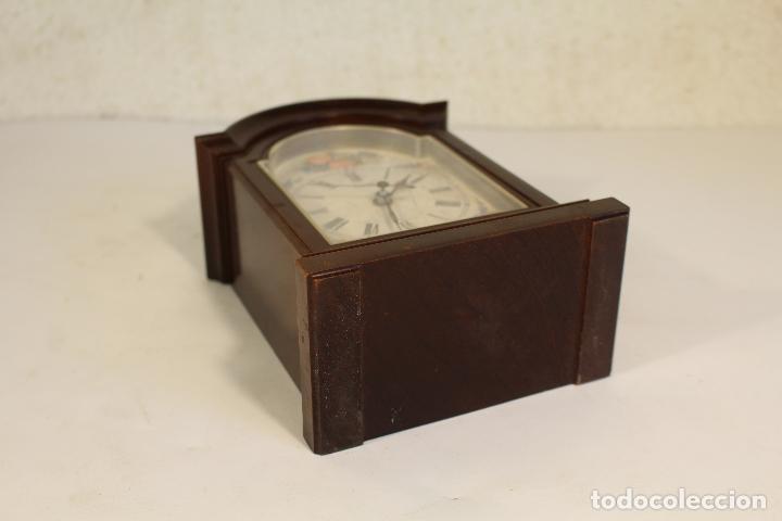 Vintage: Reloj sobremesa quartz marca tyrol - Foto 3 - 268868659