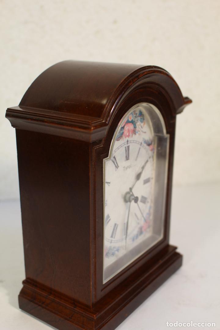 Vintage: Reloj sobremesa quartz marca tyrol - Foto 4 - 268868659