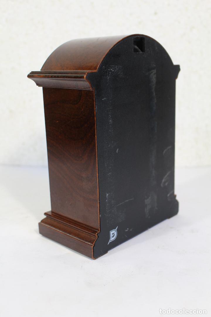 Vintage: Reloj sobremesa quartz marca tyrol - Foto 5 - 268868659