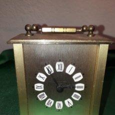 Vintage: RELOJ DE VIAJE A PILAS. Lote 235448585