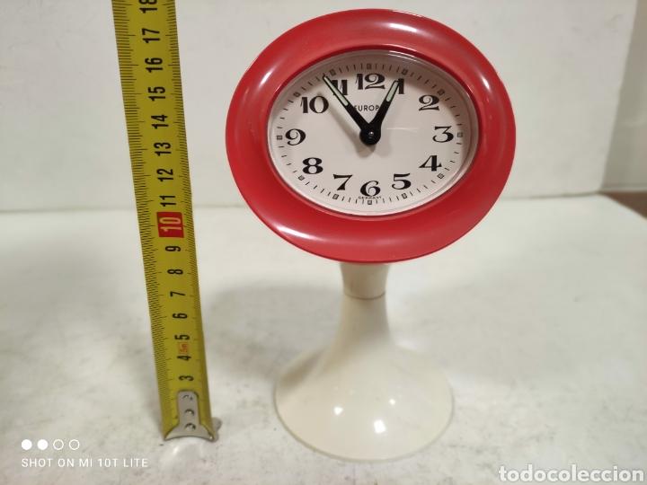 Vintage: Reloj despertador EUROPA.Años 70 .Para coleccionistas.SPACE AGE. - Foto 7 - 244835095