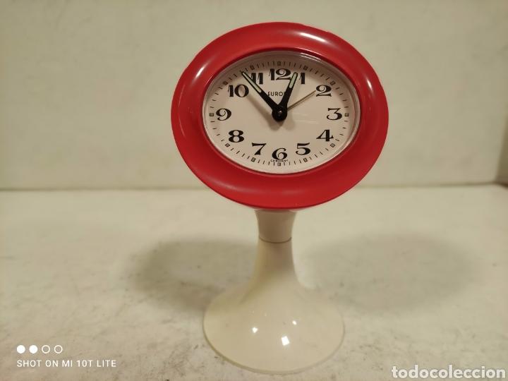 RELOJ DESPERTADOR EUROPA.AÑOS 70 .PARA COLECCIONISTAS.SPACE AGE. (Relojes - Relojes Vintage )