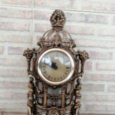 Vintage: RELOJ DE SOBREMESA METÁLICO. FUNCIONANDO PERFECTO.IMPOLUTO. ANTIGUA MAQUINARIA ELECTRÓNICA SUIZA .. Lote 201187176