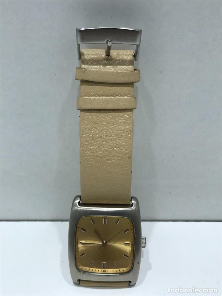 Vintage: Reloj de pulsera con movimiento de Quartzo con correa - Funcionando - Foto 10 - 286253163