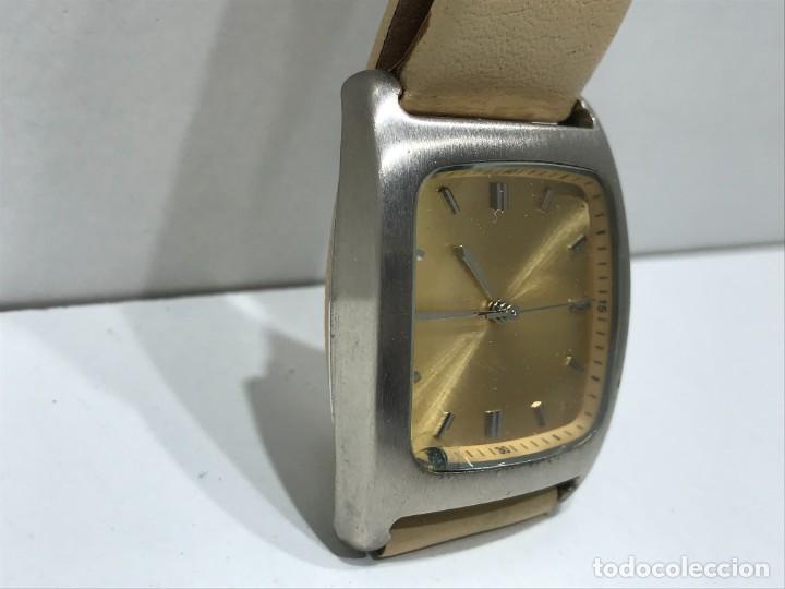 Vintage: Reloj de pulsera con movimiento de Quartzo con correa - Funcionando - Foto 2 - 286253163