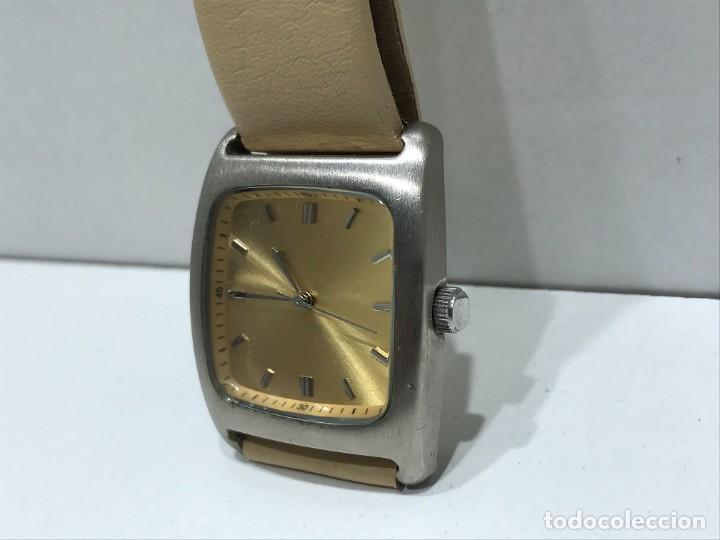Vintage: Reloj de pulsera con movimiento de Quartzo con correa - Funcionando - Foto 3 - 286253163
