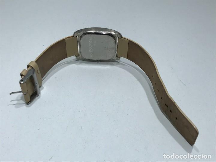 Vintage: Reloj de pulsera con movimiento de Quartzo con correa - Funcionando - Foto 4 - 286253163