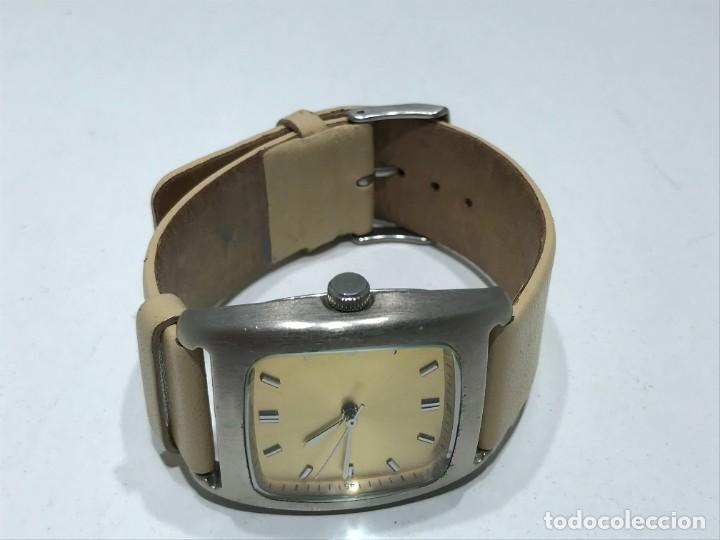 Vintage: Reloj de pulsera con movimiento de Quartzo con correa - Funcionando - Foto 8 - 286253163