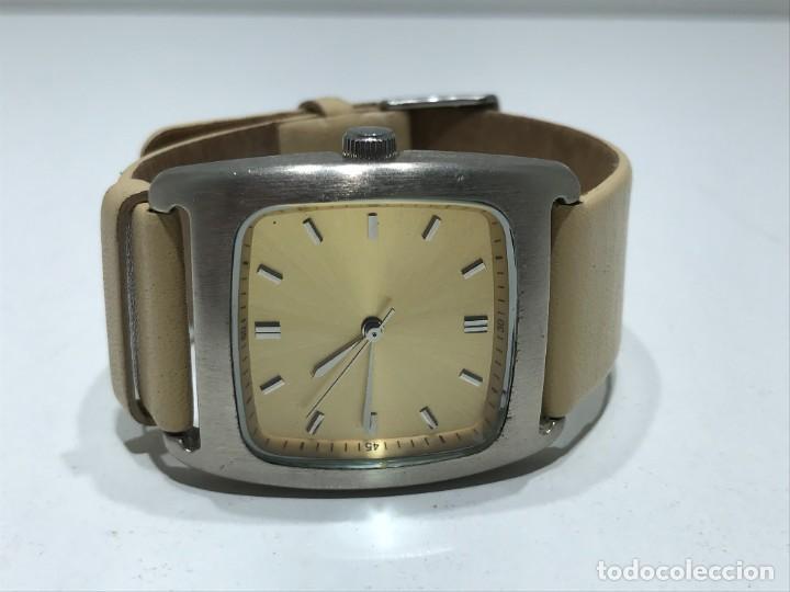 Vintage: Reloj de pulsera con movimiento de Quartzo con correa - Funcionando - Foto 9 - 286253163