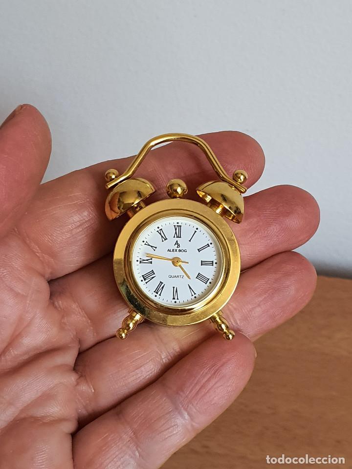 Vintage: Antiguo reloj en miniatura. Con forma de despertador (Años 90) - Foto 6 - 287790203