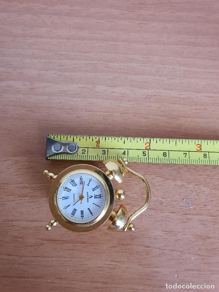 Vintage: Antiguo reloj en miniatura. Con forma de despertador (Años 90) - Foto 7 - 287790203