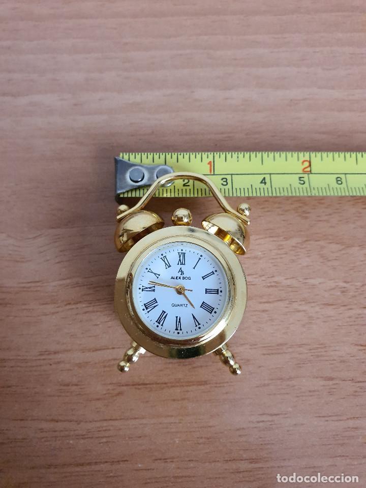 Vintage: Antiguo reloj en miniatura. Con forma de despertador (Años 90) - Foto 8 - 287790203