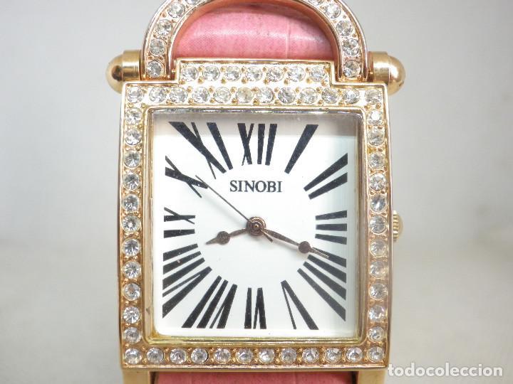 PRECIOSO RELOJ PARA DAMA CON FORMA DE CANDADO Y CRISTALES PRECIOSOS MUY BELLO!!! (Relojes - Relojes Vintage )