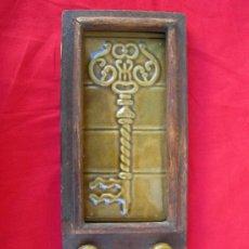 Percha llaves llave comprar en todocoleccion 16855389 for Perchas para colgar llaves