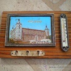 Vintage: ANTIGUO TERMOMETRO CUELGA LLAVES. Lote 19208496