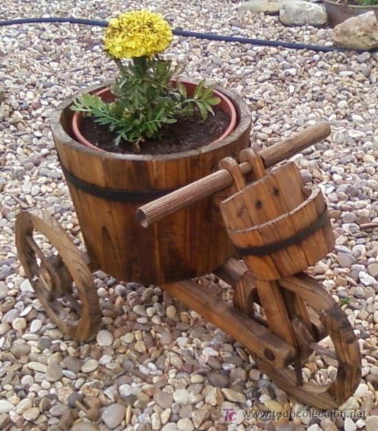 Triciclo o carretilla de madera para el jardin comprar for Carretillas de madera para jardin