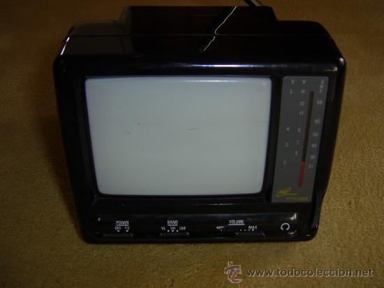 TV 5 PULGADAS BYN BATERIA 12 V O RED (Vintage - Varios)