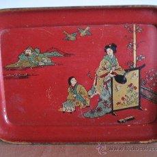 Vintage: BANDEJA METALICA ANTIGUA, CON MOTIVOS JAPONESES. Lote 30373970