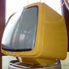Vintage: TELEVISOR ORIGINAL AÑOS 70 DE LA CASA SCHNEIDER AMARILLO. Lote 31246418