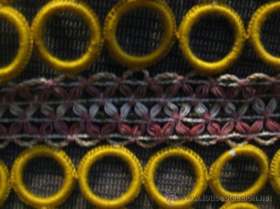 Vintage: PRECIOSOS TAPETES DE AROS DE GANCHILLO.AÑOS 60. VINTAGE.Color mostaza y hilos dorados ,cremas,rosas - Foto 7 - 32225523