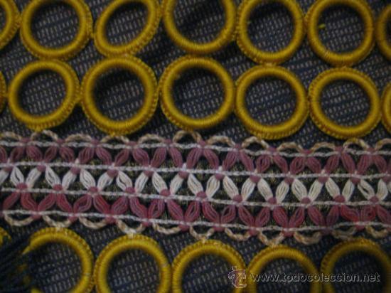 Vintage: PRECIOSOS TAPETES DE AROS DE GANCHILLO.AÑOS 60. VINTAGE.Color mostaza y hilos dorados ,cremas,rosas - Foto 8 - 32225523