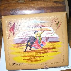 Vintage: CAJA PARA MEDIAS O JOYERO ,RECUERDO DE OVIEDO ,MIDE SOBRE 18 X15 ES DE LOS 60. Lote 33962654